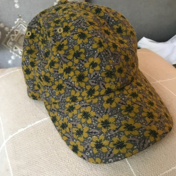 1f38c5ce4aa Urban Outfitters Floral Hat. M 5b57613ce9ec897779cdef9c. Other Accessories  ...